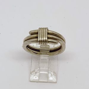 Jewelry - Mexican sterling silver wire ring #155